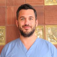 Dr. Faludi